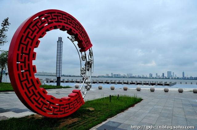 临沂飞机场通达全国十几个城市,京沪高速公路,日东高速公路,长深高速