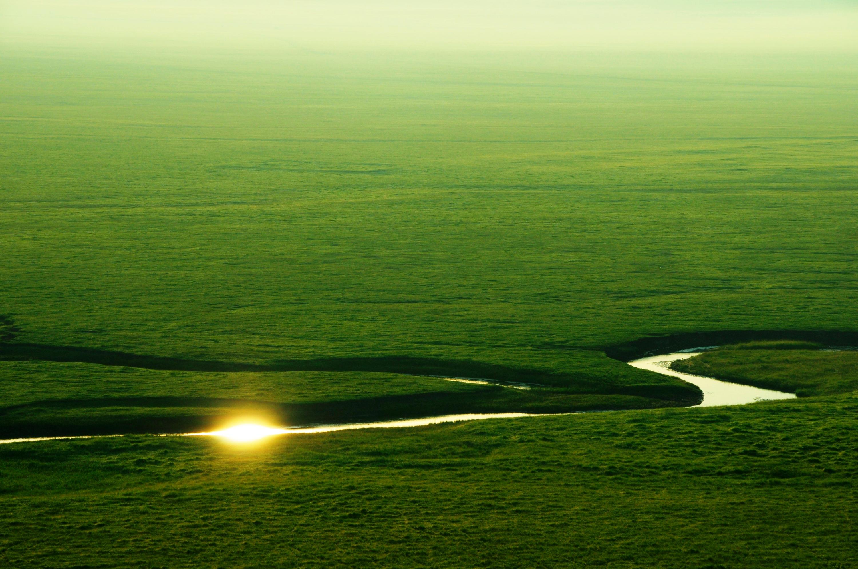 满都宝力格中蒙边境的一片原始草原风光