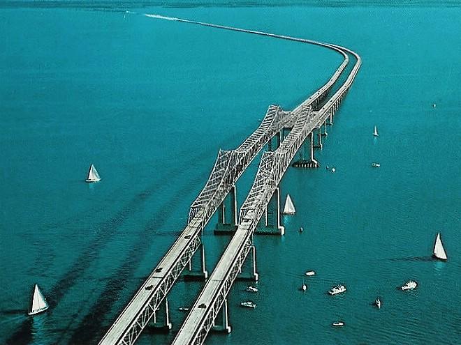 1954年竣工老的阳光高架桥