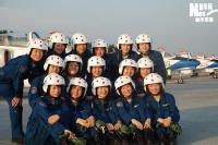 实拍首次参与国庆阅兵的战机女飞行员