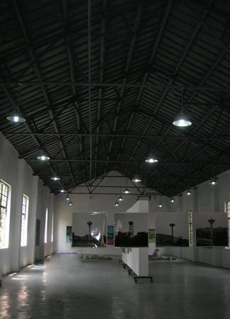 为展厅空间,将包含摄影,陶艺,雕塑,设计和绘画,数码,动漫等工作室.