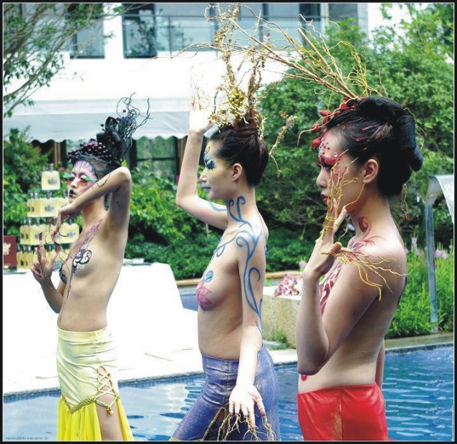 廣州性文化節搞人體彩繪;淄博陶瓷博覽會搞人體彩繪