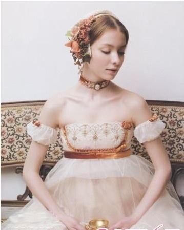 西安婚纱影楼 欧式新娘发型简洁而线条流畅